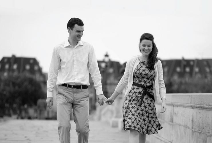 Tall man, woman, tall man and women holding hands, love, why do women prefer tall men?